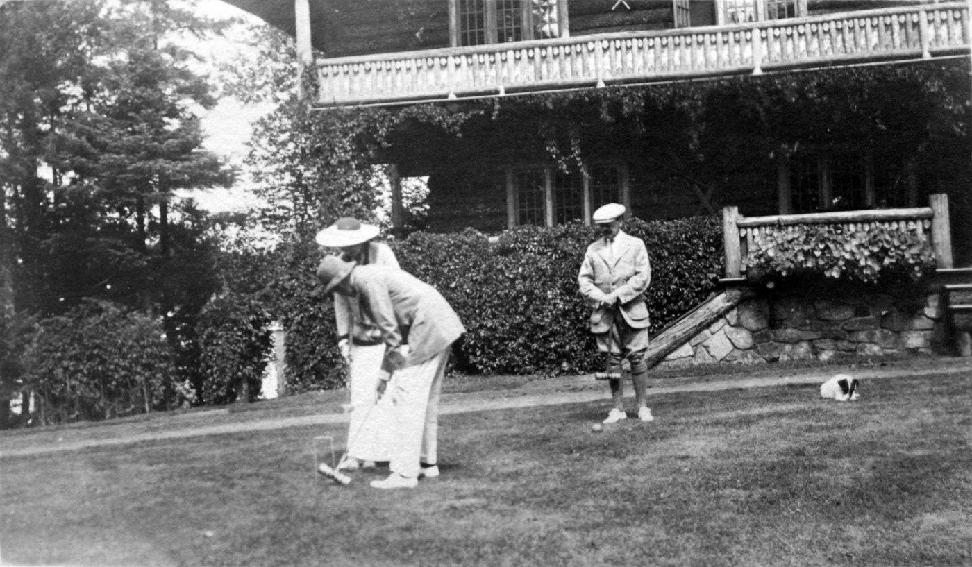 Croquet on the lawn at Sagamore, early 1900s. Image courtesy Library of Congress.